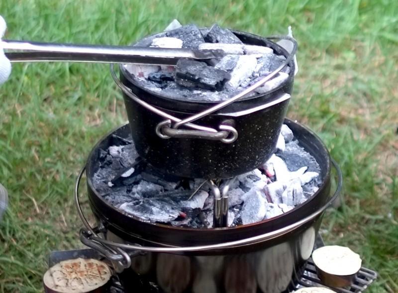 ダッチオーブンの2段重ね