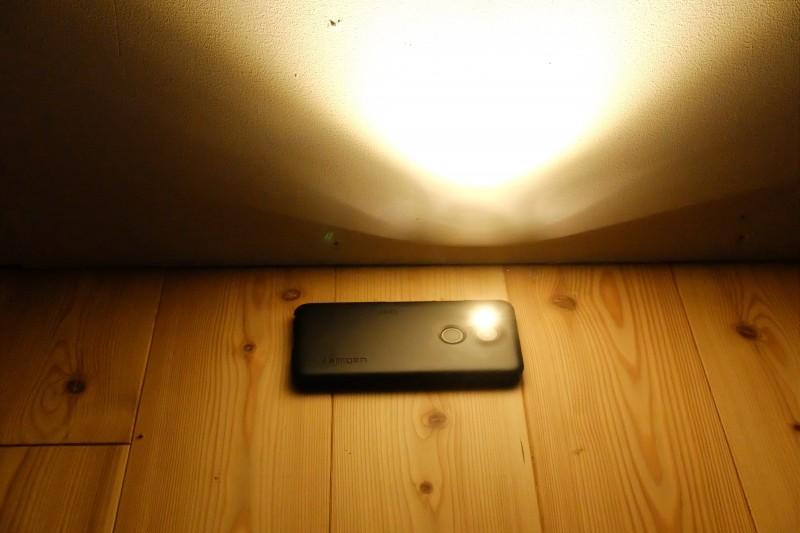 Nexus5xのLEDライトは暖色