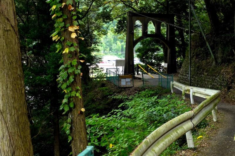 恋金橋|キャンプ場からの入口