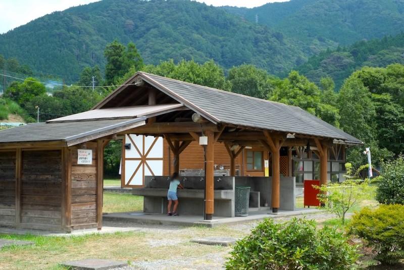 くのわき親水公園キャンプ場|炊事場(西側)