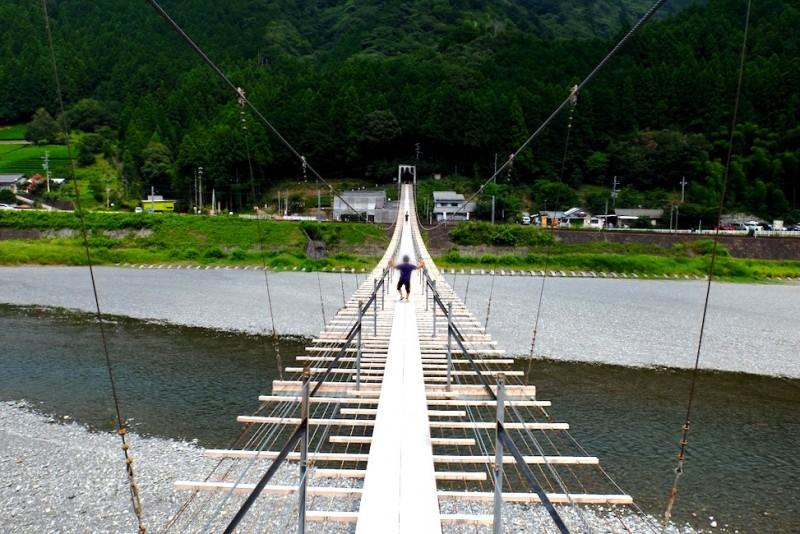 塩郷の吊り橋|キャンプ場側から