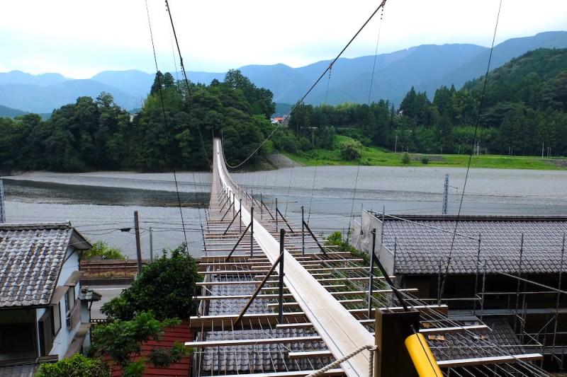 恋金橋|県道側からの眺め