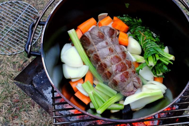 ダッチオーブンで作るローストビーフ
