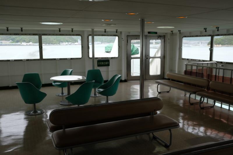 瀬戸内観光汽船|第三ひなせ丸の船内