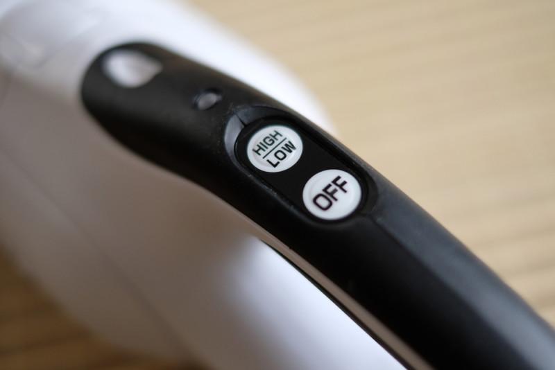 マキタ充電式クリーナーCL142FDZW|ワンタッチ式スイッチ