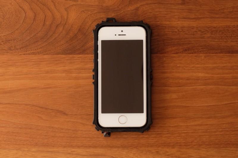 iPhone5s/SE用耐衝撃・防水・防塵ケース(ZVE)|iPhone5sにフィット