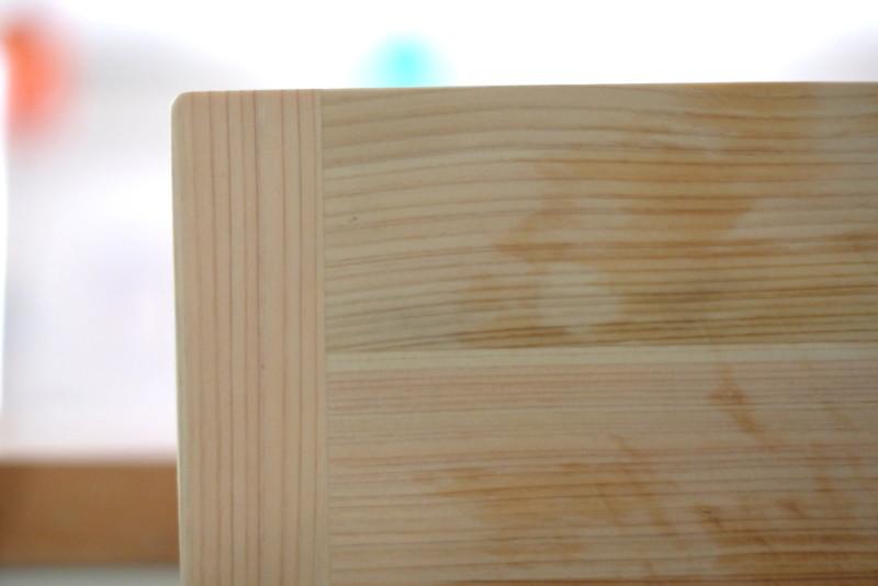 四万十ヒノキの軽量まな板(土佐龍)|5分経てば乾き始める