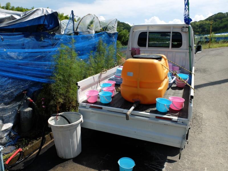勧修寺観光農園(京都市山科区)|手洗い用の水とバケツ