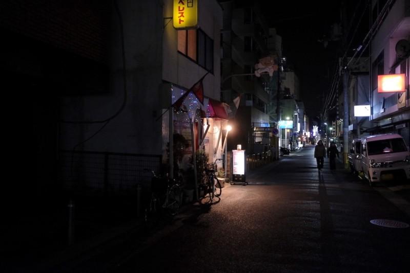 タージマハルエベレスト瀬田店のある通り