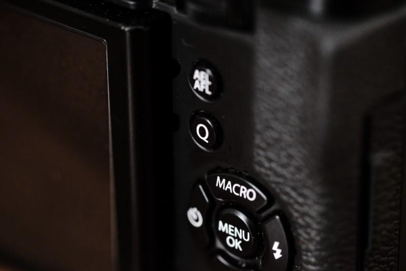 X30(FUJIFILM)|Qボタン