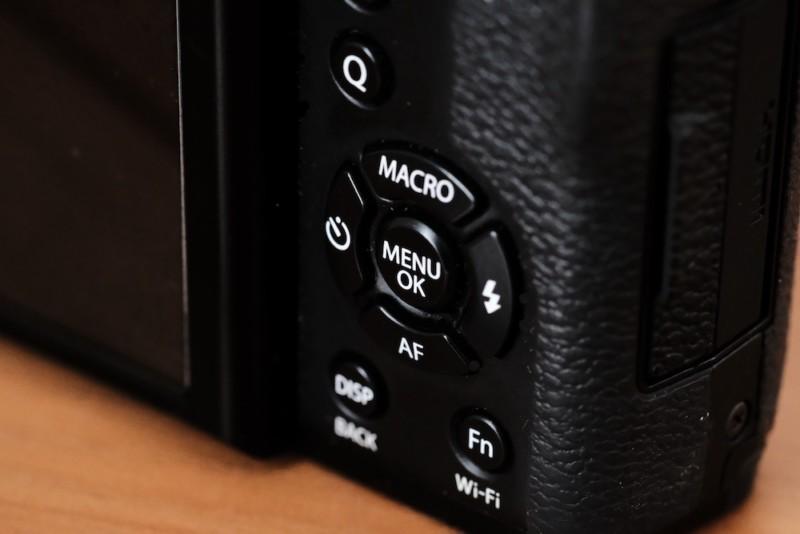 X30(FUJIFILM)|セレクターボタン