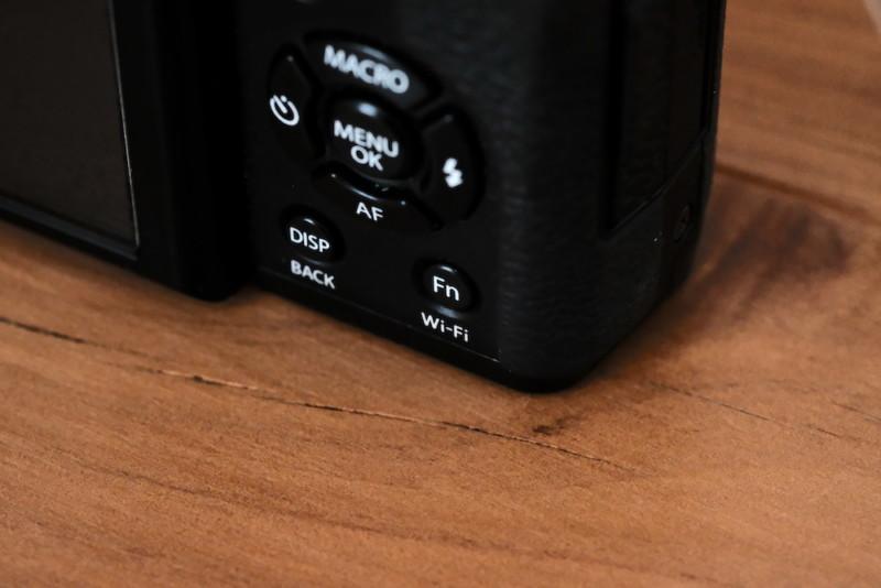 X30(FUJIFILM)|Fnボタン