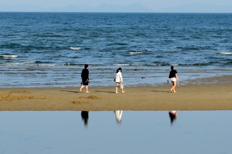 観音寺ファミリーキャンプ場|有明浜の映り込み