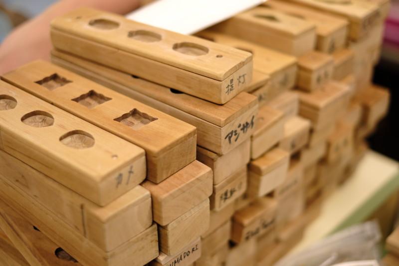 和三盆の干菓子作り体験(にしきや)|たくさんの木型