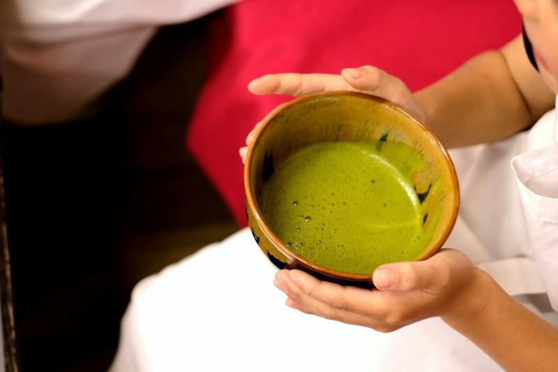 和三盆の干菓子作り体験(にしきや)|抹茶