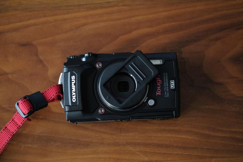 tg-5とUN製レンズプロテクトキャップ