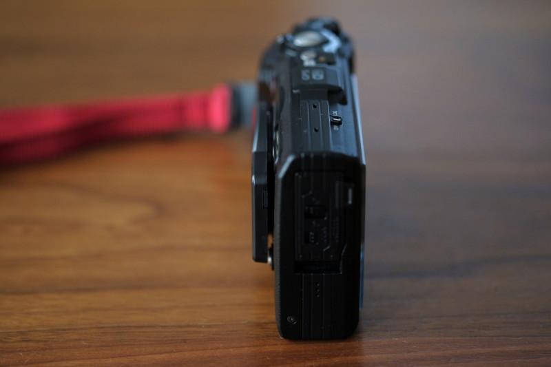 TG-5用UN製レンズプロテクトキャップ|出っ張り