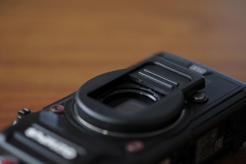 TG-5用UN製レンズプロテクトキャップ|フード的な役割もある?
