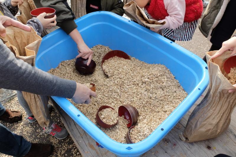 伊賀の里モクモク手作りファーム|スモークチップの重さ当て
