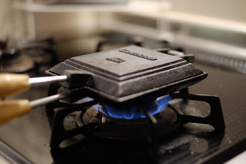 ホットサンドクッカー(コフラン)|ガス火で調理