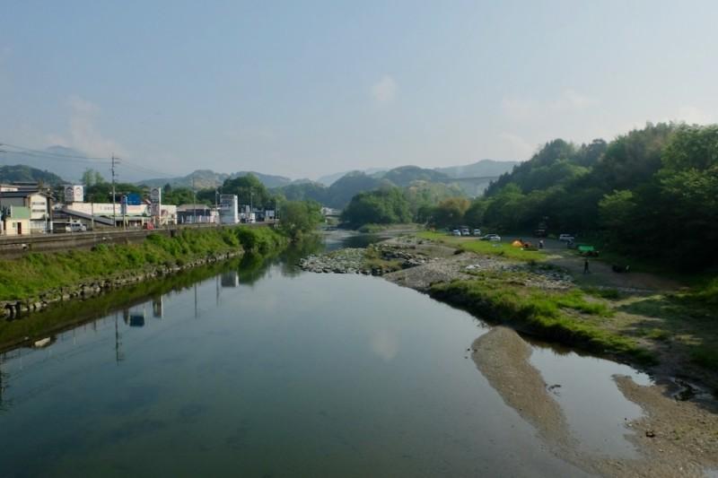 知清キャンプ場(愛媛県内子町)|国道沿い