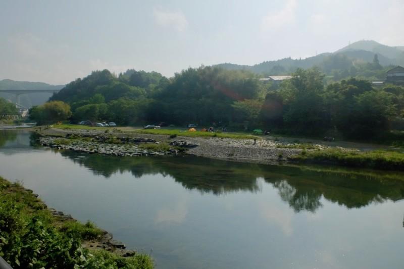 知清キャンプ場(愛媛県内子町)|国道側から見たキャンプ場