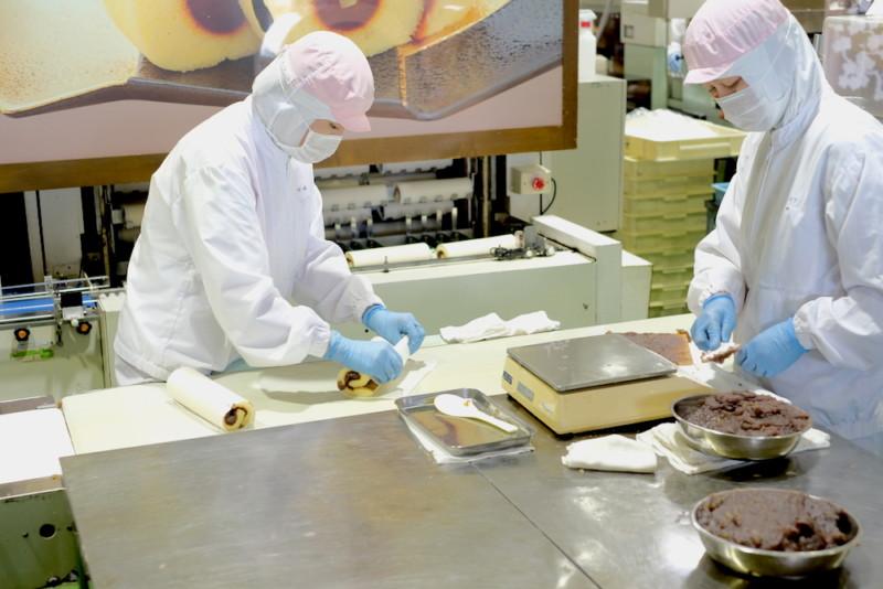 菓子処ハタダお菓子館|栗タルトの製造