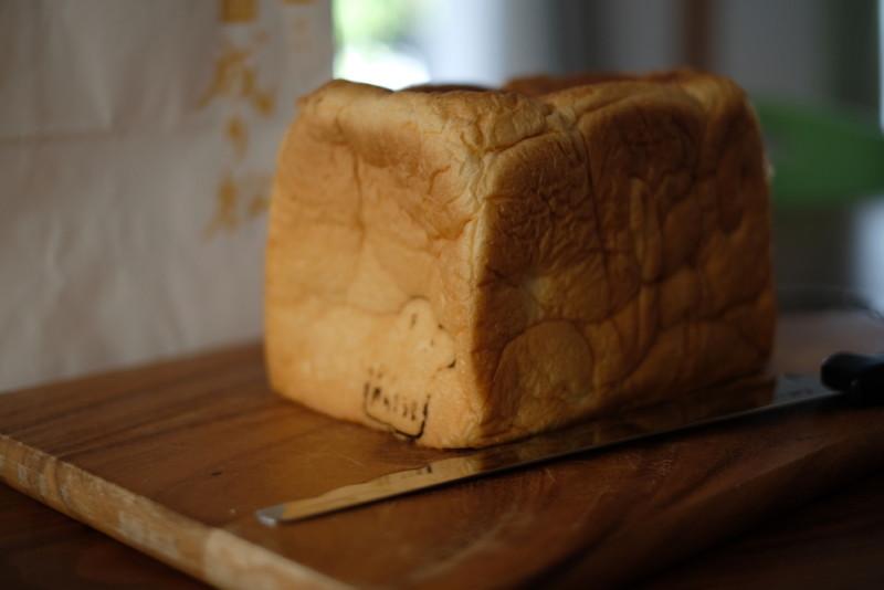 食パン専門店「成り松」|食パンの表面