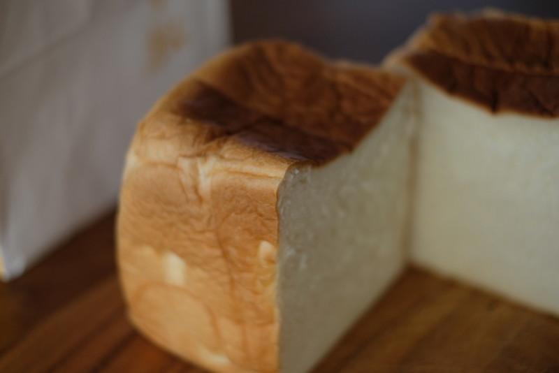 食パン専門店「成り松」|薄い皮