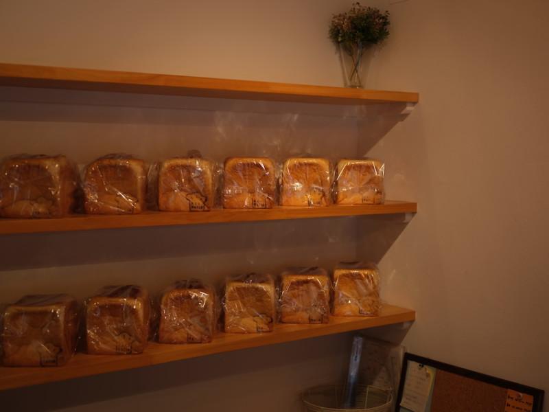 食パン専門店「成り松」|店内