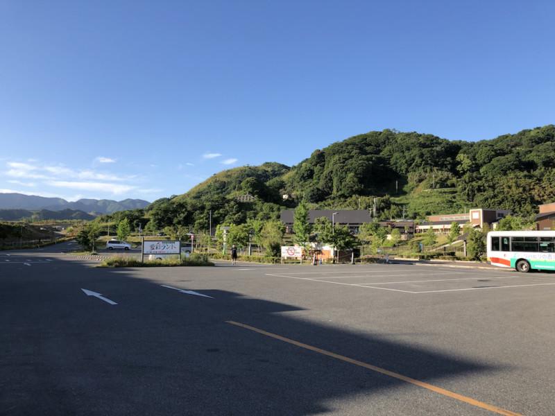 道の駅 愛彩ランド(大阪・岸和田)|駐車場全景