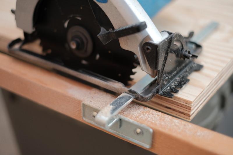 構造用合板1枚で作るiMac用デスク|丸のこでカット