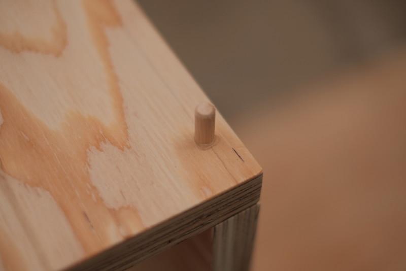 構造用合板1枚で作るiMac用デスク|木工用ボンドは乾くと透明になる