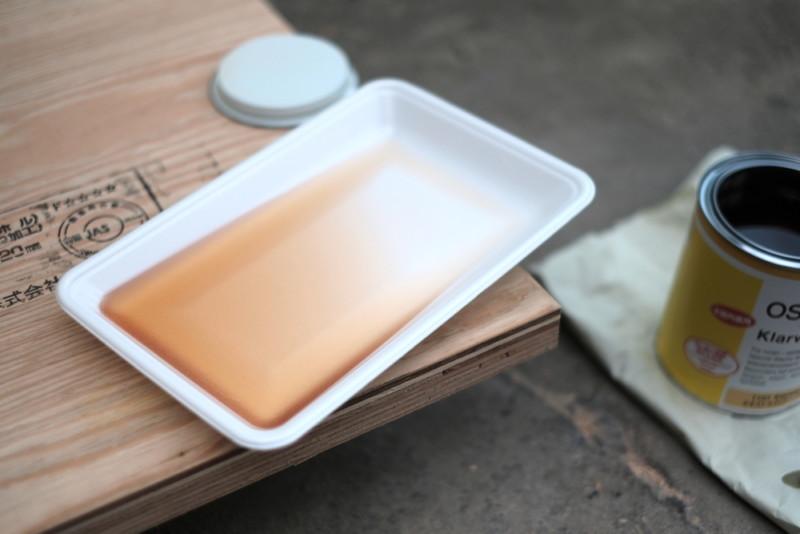 構造用合板1枚で作るiMac用デスク|食品トレーでOK