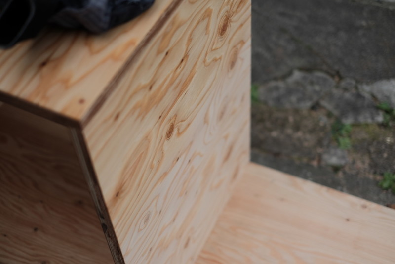 構造用合板1枚で作るiMac用デスク|エキストラクリアー塗布前後