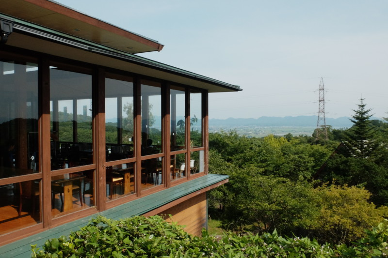 松江市宍道ふるさと森林公園(島根)|クラブハウスのカフェ部分