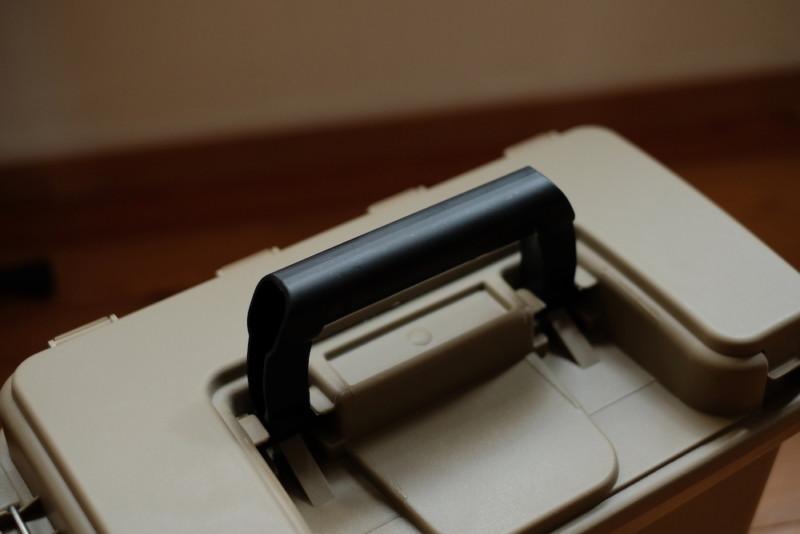 モールディングアーモツールボックス(BRID)|持ち手