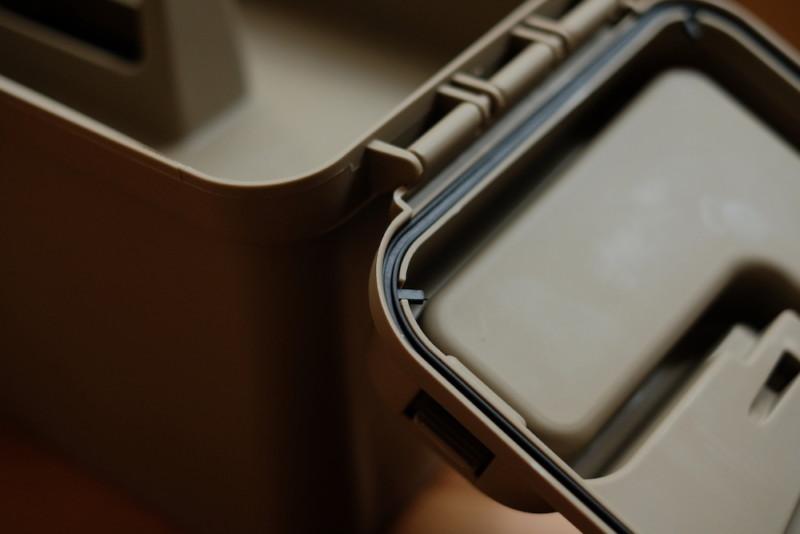 モールディングアーモツールボックス(BRID)|上蓋はパッキン付