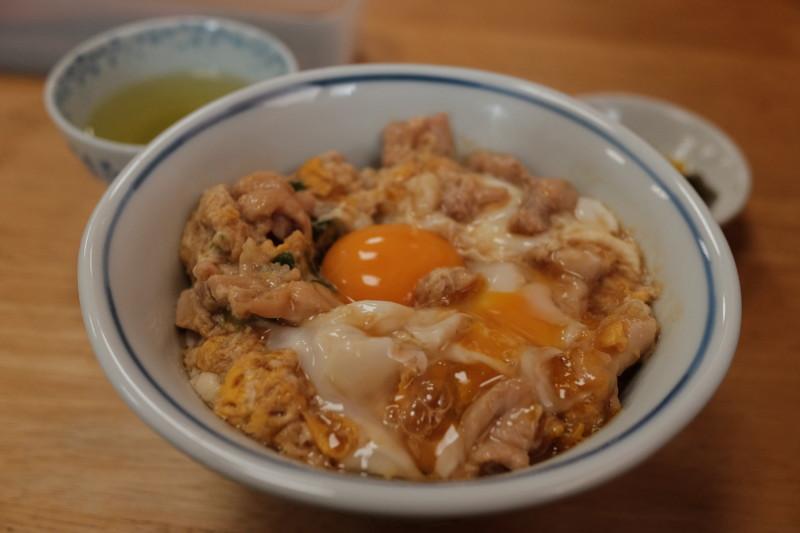 鳥喜多(滋賀・長浜)|親子丼アップ