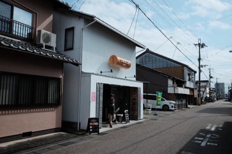 まるい食パン専門店(つるやパン)|外観