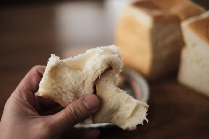 「Bakery 暦(滋賀・信楽)」の食パン|粘る生地