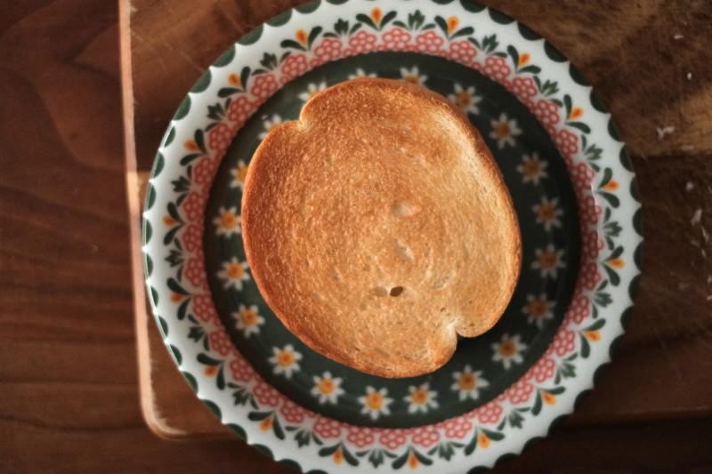 まるい食パン(つるやパン)|トースト