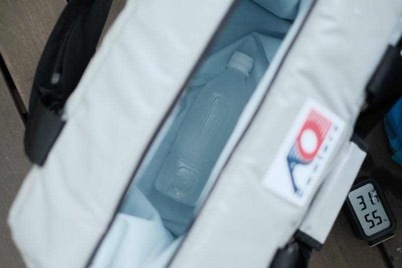 AOクーラーズとペットボトル氷