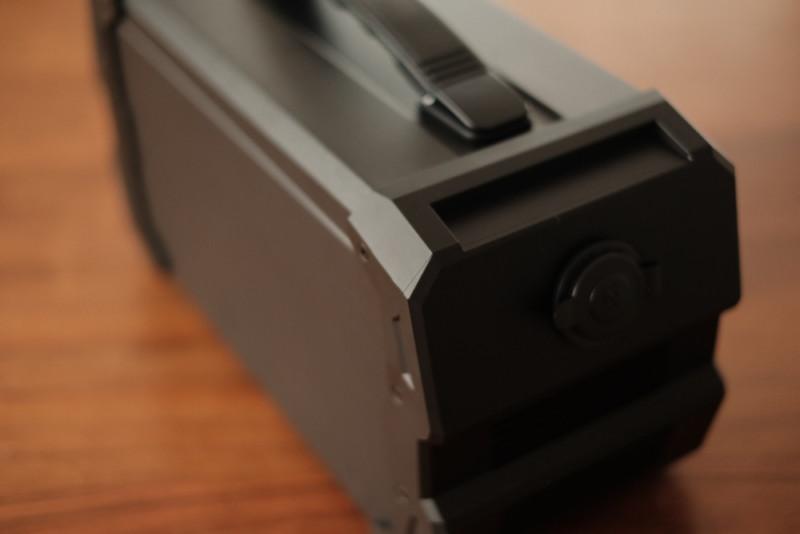 ENERBOX-01(LACITA)|ソリッドなデザイン