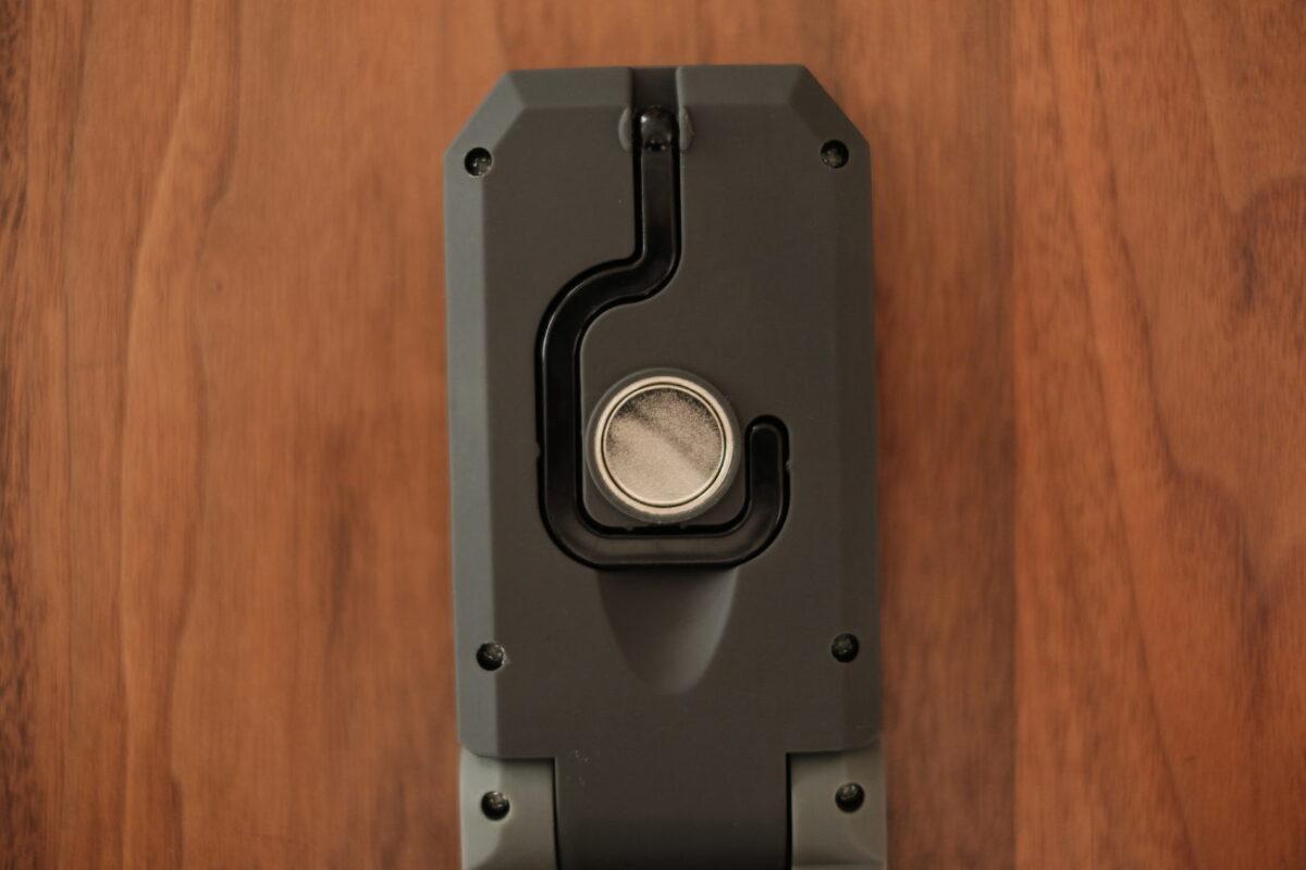 LEDハンディワークライト(カインズ)|背面マグネット