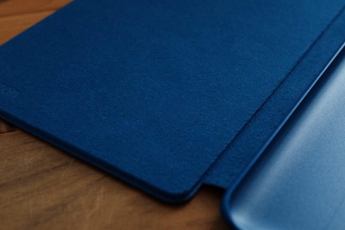 Kindle Paperwhite|純正カバーの内側マイクロファイバー