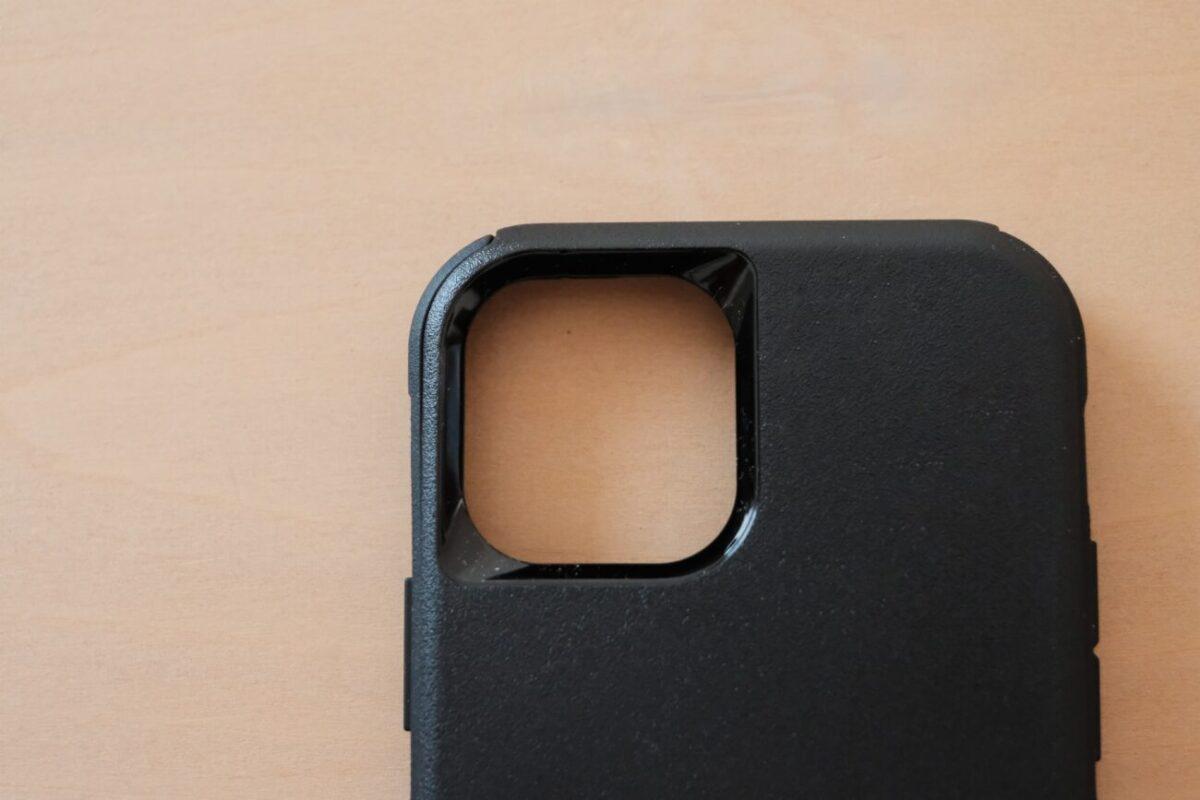 iPhone12用ケース「Commuter(OtterBox)」 カメラ周り