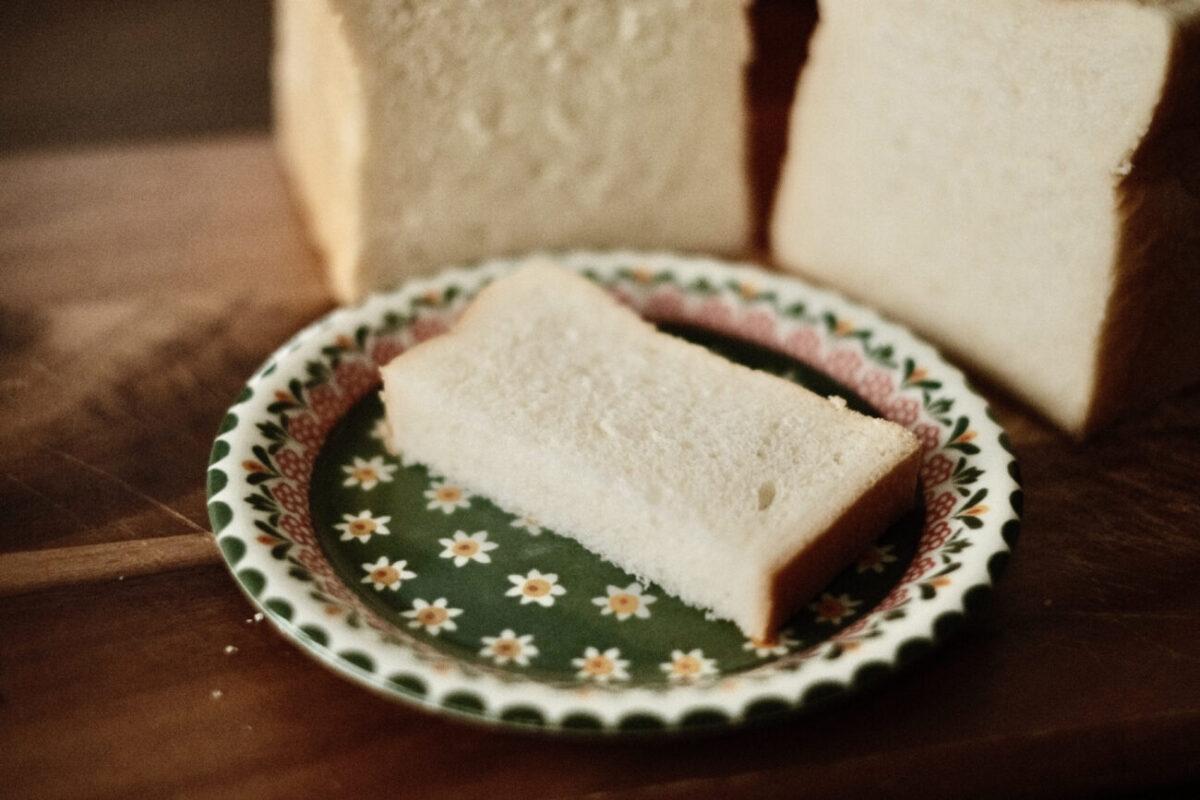 池田温泉パン たち川『高級旨食パン』 生食
