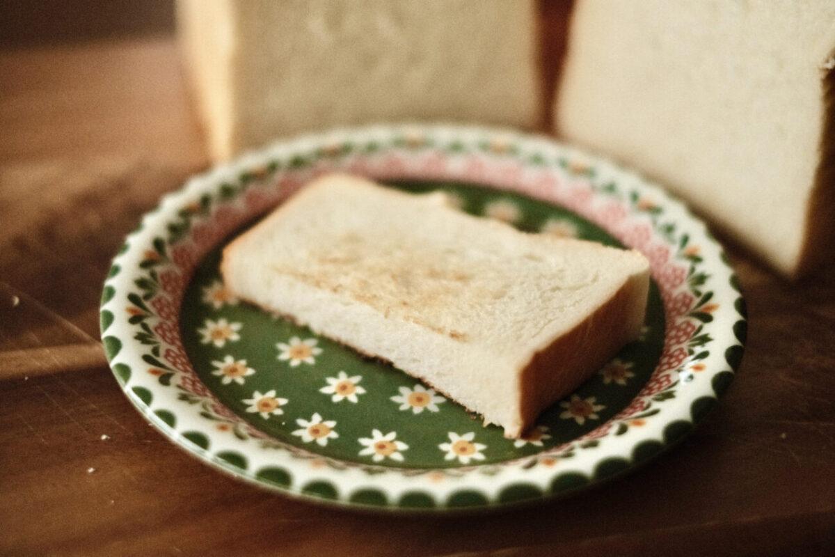 池田温泉パン たち川『高級旨食パン』 トースト