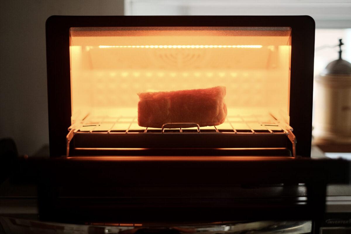 すばやきトースター(シロカ)|厚切りトーストも余裕の庫内高さ10cm